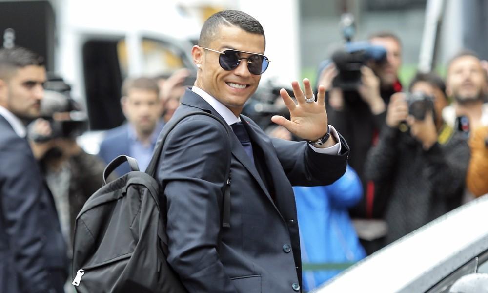Ronaldo cùng BĐN đang vô địch MXH mùa World Cup