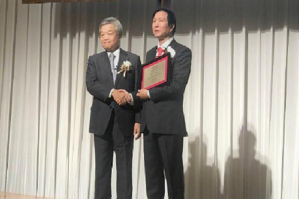 Bác sĩ Việt Nam nhận giải Nikkei châu Á lĩnh vực khoa học công nghệ