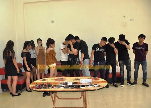 Nhóm nam nữ thanh niên sử dụng ma túy tại trụ sở Công an TP Ninh Bình