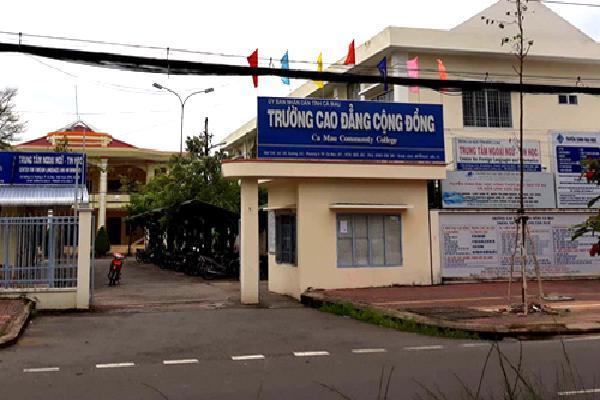 Nhiều sinh viên bị dừng học do trường đào tạo 'chui'