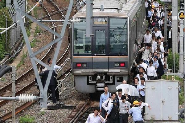 Động đất mạnh nhất trong hàng chục năm tại Osaka