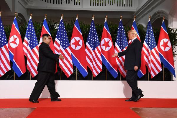 Kim - Trump và tháng 6 đổ lửa ở Singapore