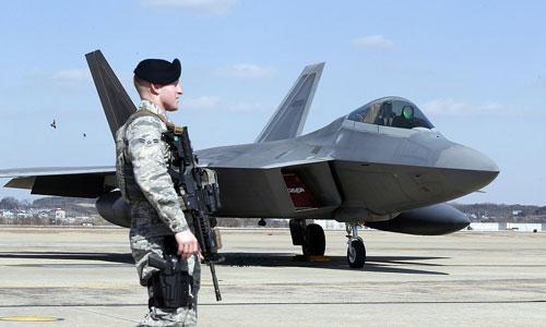 Tiêm kích tàng hình Mỹ được triển khai tại một căn cứ quân sự ở Hàn Quốc. Ảnh: AP.