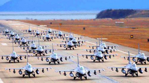 Một cuộc diễn tập không quân răn đe Triều Tiên của lực lượng Mỹ tại Hàn Quốc năm 2017. Ảnh: USAF.