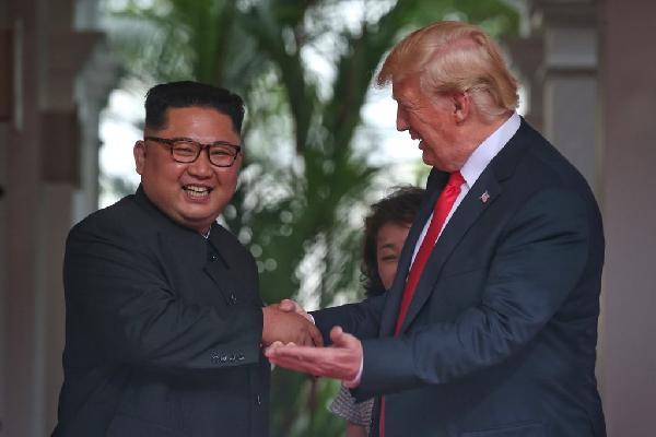 Hai ngôi sao Trump, Kim tỏa sáng khi cùng hội tụ tại Singapore