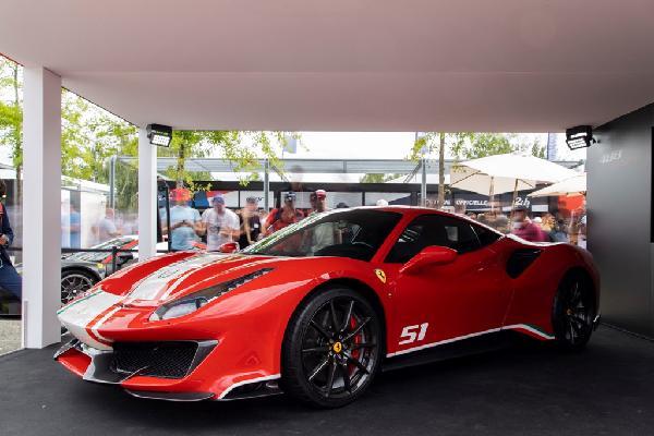 Siêu xe Ferrari 488 Pista ra mắt phiên bản đặc biệt