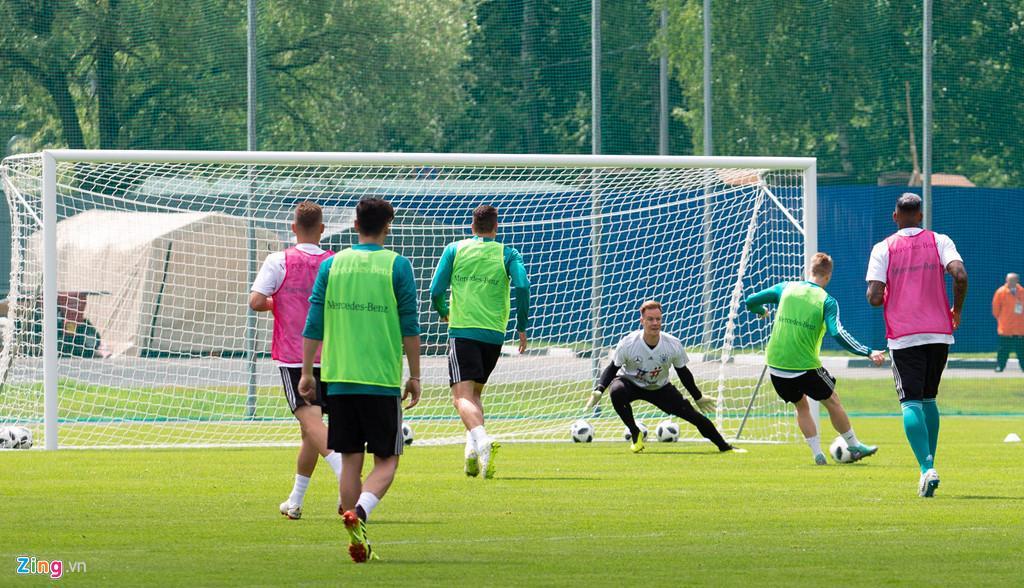 Các cầu thủ dành 15 phút để luyện sút. Đến với World Cup 2018, họ nằm cùng bảng F với Thụy Điển, Mexico và Hàn Quốc.