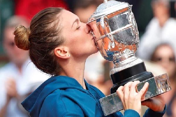 Halep thắng ngược ở chung kết Roland Garros, có Grand Slam đầu tiên