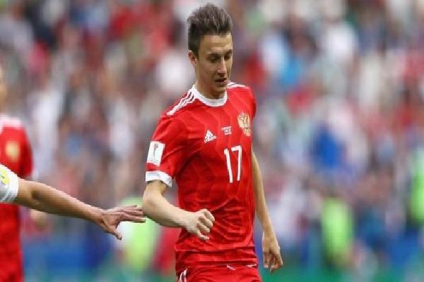 'Cậu bé vàng' Aleksandr Golovin tỏa sáng: Là ai mà M.U, Arsenal thèm khát?