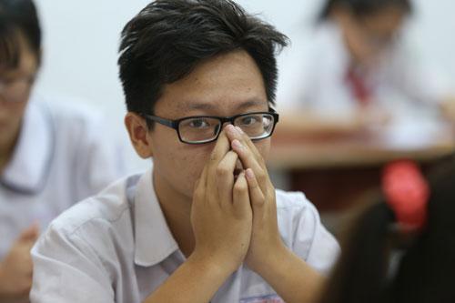 Thí sinh dự thi tuyển sinh lớp 10 ở TP HCM. (Ảnh: Quỳnh Trần.)