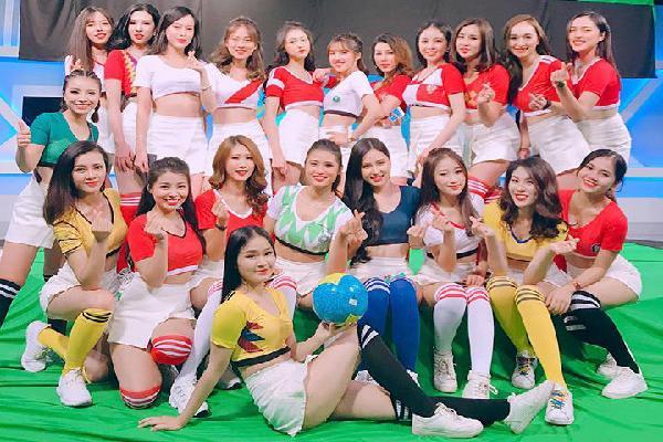 Cận cảnh nhan sắc dàn hot girl Việt cổ vũ World Cup 2018