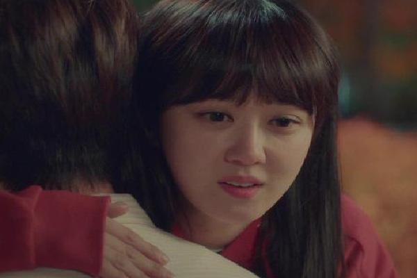 Bật khóc nức nở khi chồng đề nghị: 'Em cứ ngoại tình nhưng xin đừng bỏ anh'