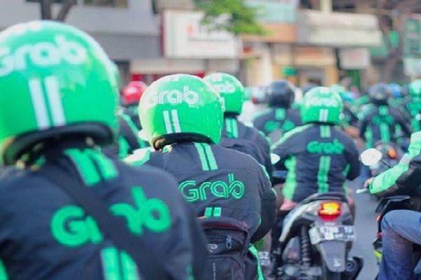 Nỗi ám ảnh thiếu tiền của các ứng dụng gọi xe Việt