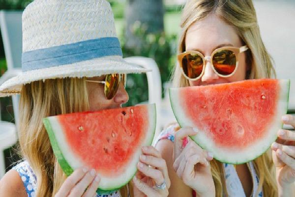 Mấy ngày nắng nóng cứ bổ sung những loại trái cây này thì vừa mát cơ thể, vừa đẹp dáng, đẹp da bất ngờ