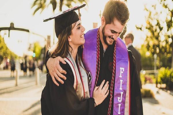 Trước khi tốt nghiệp đại học, nếu không nhận ra những điều này thì bạn sẽ mãi chênh vênh trước ngưỡng cửa cuộc đời