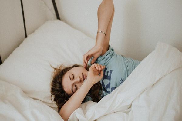 Ngủ cũng có thể giúp giảm cân nếu bạn có những thói quen này