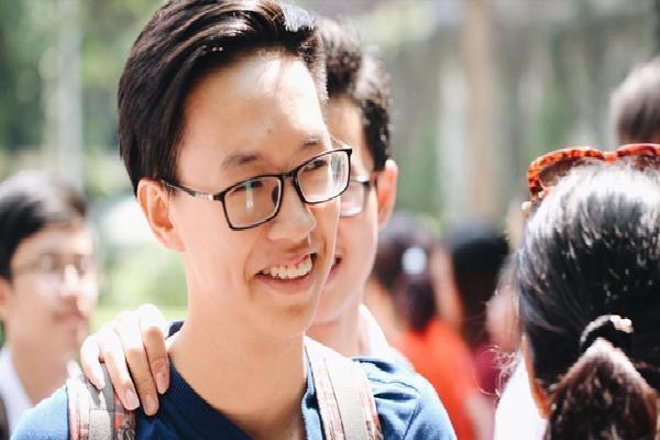 Điểm chuẩn lớp 10 hệ chuyên tại TP.HCM: Chuyên Lê Hồng Phong dẫn đầu với 42 điểm chuyên Hóa