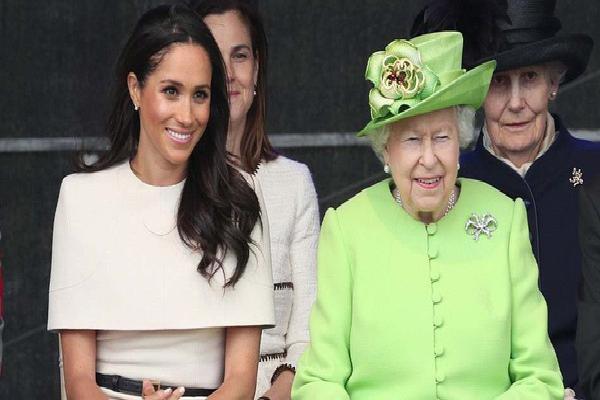 Nào chỉ đẹp, bộ cánh mà Công nương Meghan Markle chọn diện khi đi riêng với Nữ hoàng có ẩn ý cả