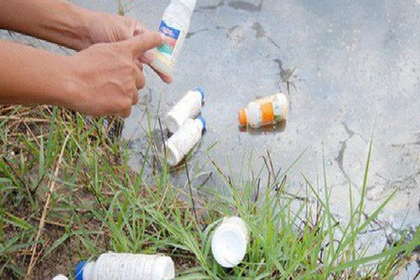 Mỗi ngày chi 2,66 triệu USD để nhập thuốc trừ sâu, chủ yếu từ Trung Quốc