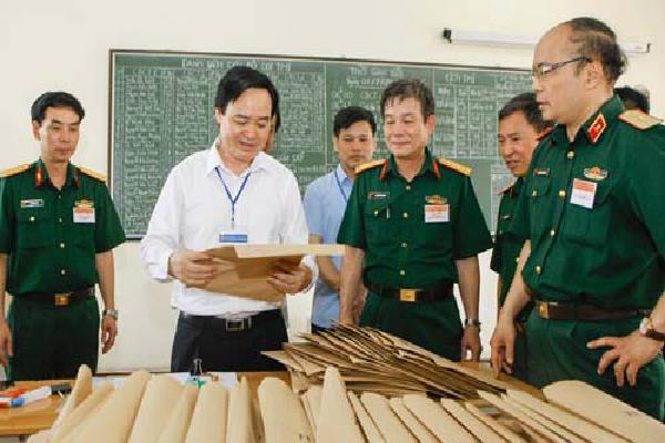 Hà Nội dùng máy siêu tốc, tăng ca để in sao 700.000 đề thi THPT quốc gia