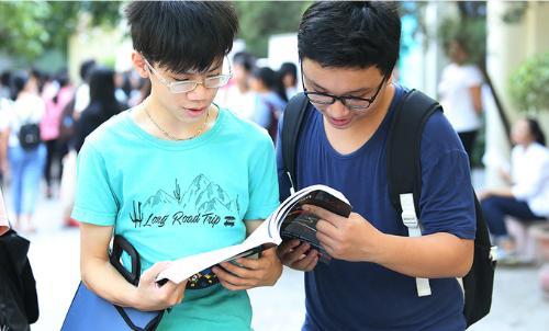Tỷ lệ chọi vào trường THPT chuyên Ngoại ngữ là 1 chọi hơn 10. (Ảnh: Ngọc Thành)