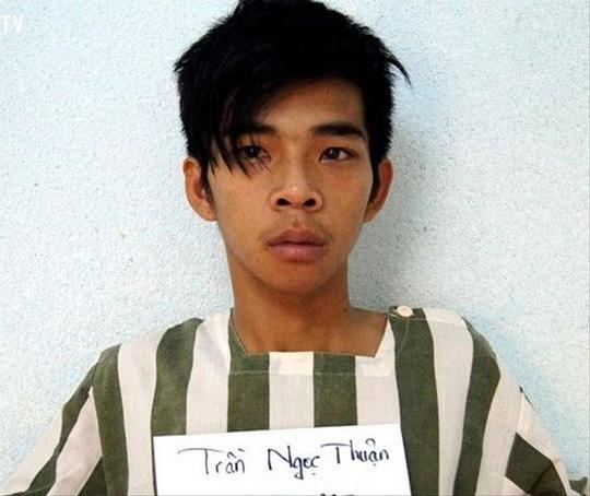"""Đối tượng Trần Ngọc Thuận giết người, cướp tài sản của """"người yêu online""""."""