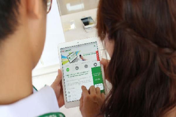 Công ty tài chính đua cho vay tiền mặt, mở thẻ tín dụng