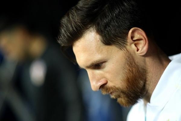 Messi đòi tự sắp đội hình Argentina: Lộn xộn và nhố nhăng