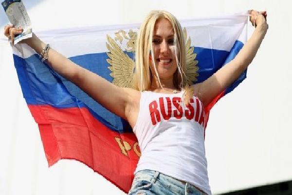 Các cô gái Nga và chuyện 'yêu đương' mùa World Cup