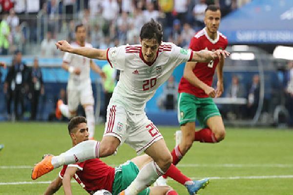 Sardar Azmoun: Khi 'Messi của Iran' được đá trên sân nhà