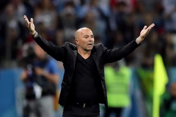 CĐV phẫn nộ, yêu cầu sa thải Sampaoli sau thảm bại trước Croatia
