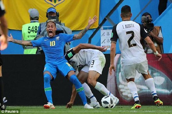 Công nghệ VAR gây bão World Cup: Brazil - Neymar bị tước 11m