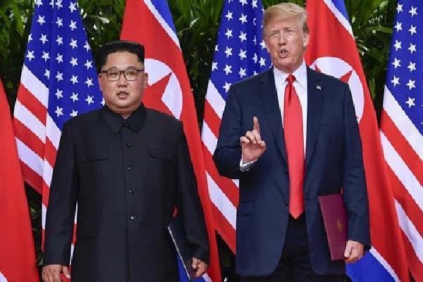"""Bất ngờ gọi Triều Tiên là """"mối đe dọa lớn"""", TT Trump ký lệnh cấm vận thêm 1 năm"""