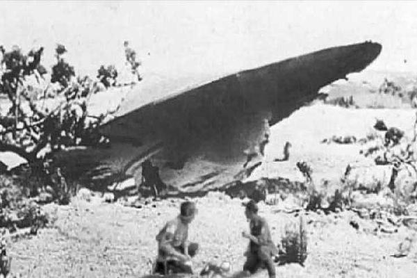 Ngày này năm xưa: Sự thật đĩa bay đâm xuống Mỹ