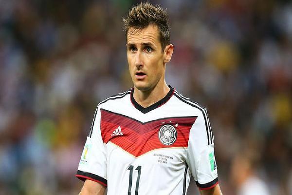 Miroslav Klose: Từ chàng thợ mộc đến chân sút vĩ đại nhất lịch sử World Cup