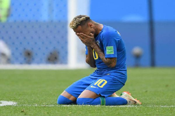 Neymar nói về giọt nước mắt hạnh phúc khi Brazil giành chiến thắng