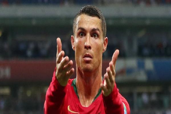 Chơi thăng hoa, Ronaldo vẫn có nguy cơ rời World Cup từ vòng bảng