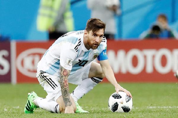 'Lionel Messi chỉ là con người và đã làm hết sức mình'