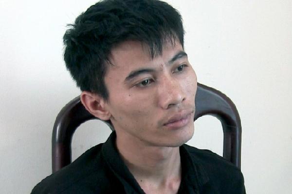 Nam công nhân bị bắt vì cướp tài sản