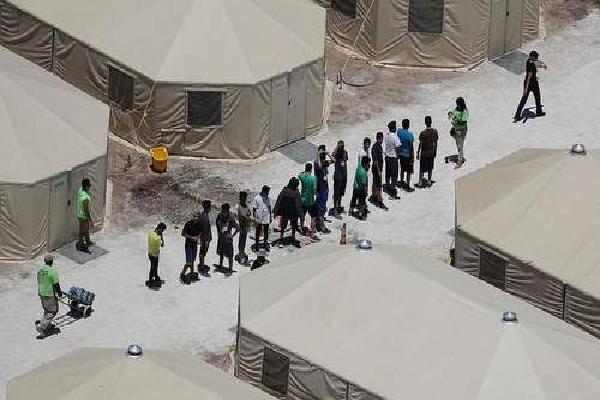 Mỹ biến căn cứ quân sự thành nơi ở cho 20.000 trẻ nhập cư