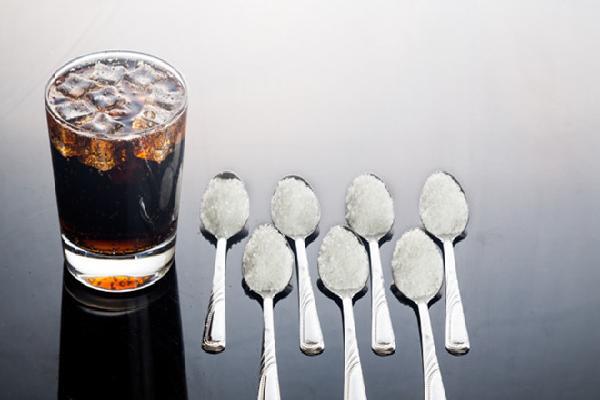 Vì sao bạn phải cân nhắc trước khi uống nước ngọt?
