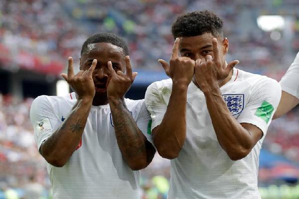 Lý giải động tác ăn mừng bàn thắng của Lingard vào lưới Panama