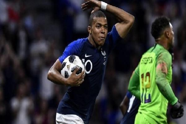 'Mbappe đã cướp bàn thắng của Giroud'