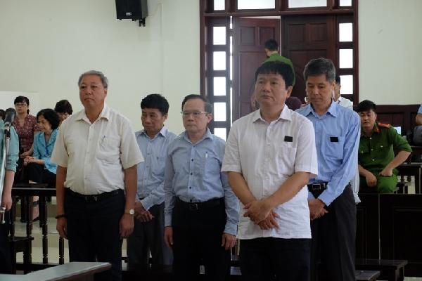 Bị cáo Đinh La Thăng vận động ký thỏa thuận góp vốn vào Oceanbank qua… điện thoại