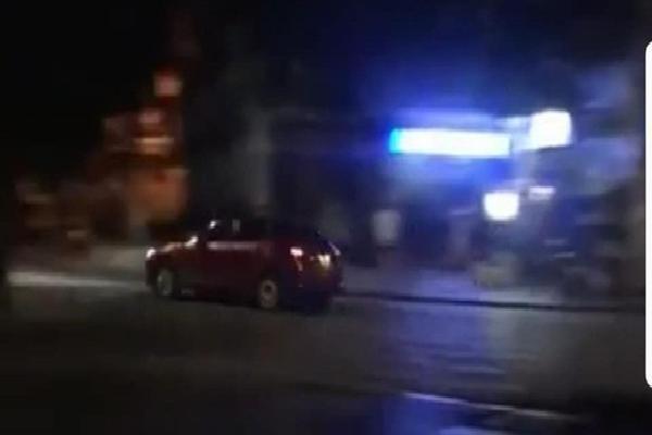 Nam tài xế Mazda 3 rú ga náo loạn phố đi bộ sau đêm World Cup