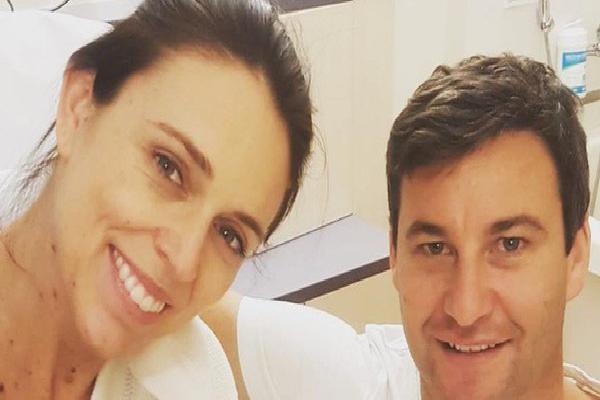 Nữ thủ tướng New Zealand hạ sinh con gái đầu lòng, toàn dân ăn mừng hệt như sự kiện quốc gia trọng đại