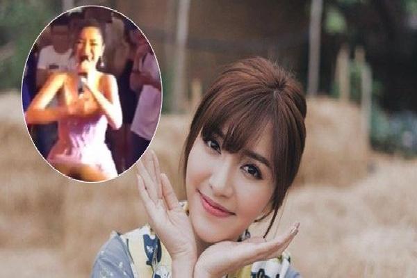 Bích Phương bất ngờ quên lời khi đang diễn, trách yêu do fan cổ vũ to quá