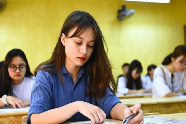 Hơn 900.000 thí sinh thi môn Ngữ văn
