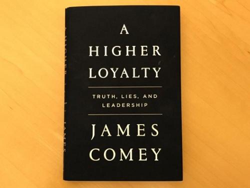 Bản sao cuốn hồi ký sắp phát hành của James Comey. Ảnh: Reuters.