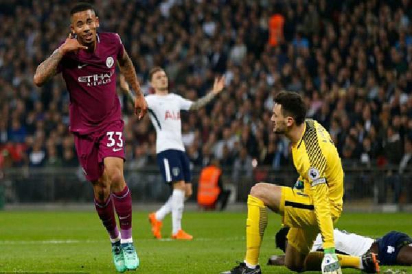 Đánh bại Tottenham, Man City chờ Man Utd sảy chân để vô địch